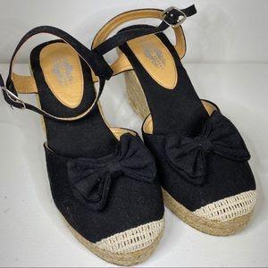 ☘️Charles Albert platform wedge heels size 7 1/2